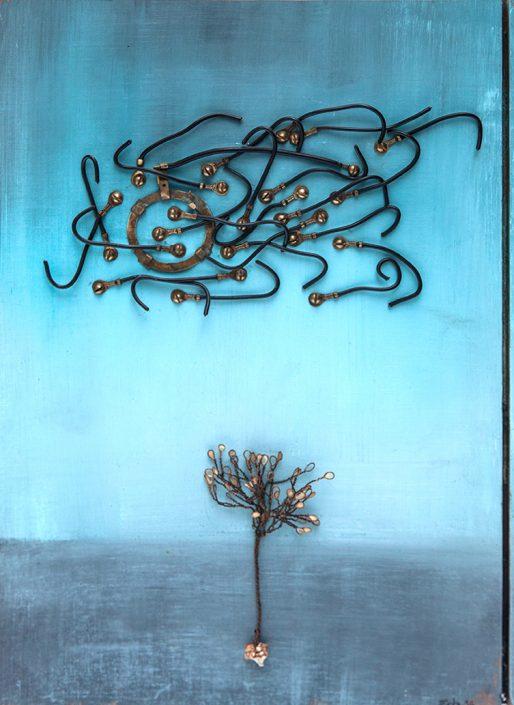 Pintura y collage con alambres que representan un árbol